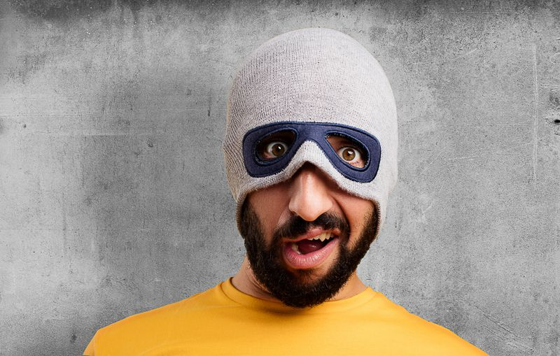 Bumps on your beard or red spots? Don#t wear a mask!