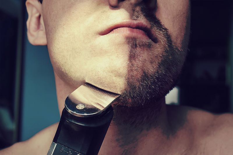 Cleaning your electric beard trimmer